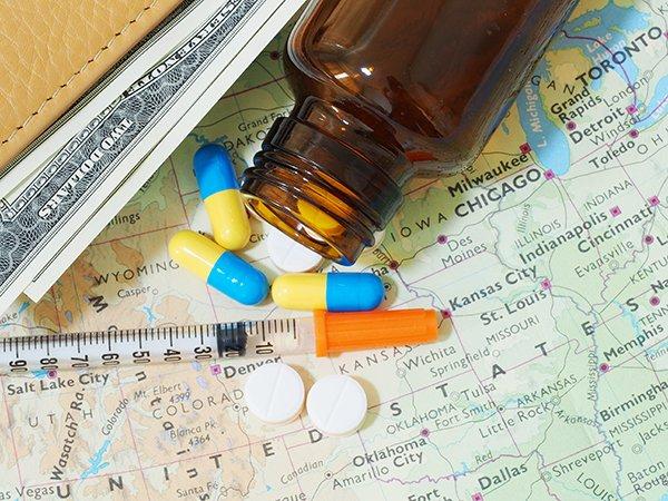 Đi du lịch nên mang theo thuốc gì?
