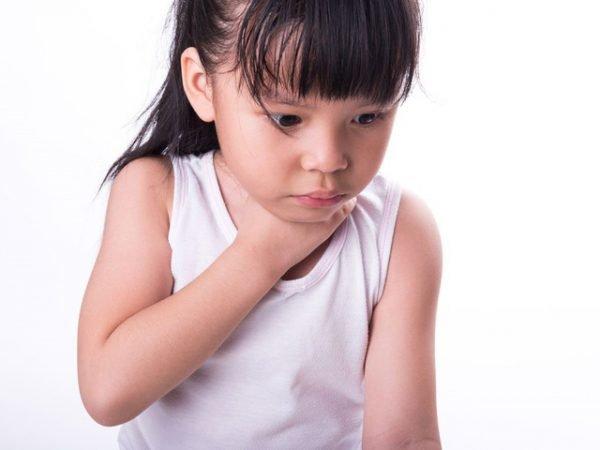 Những quy tắc vàng xử lý hóc ở trẻ em