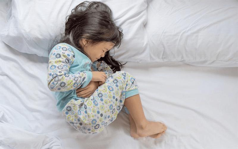 Làm gì khi trẻ đau bụng?