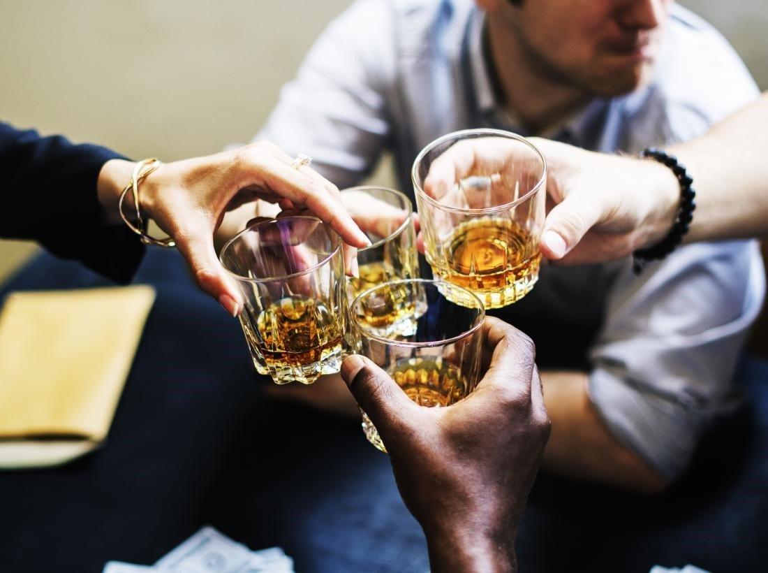 Câu chuyện rượu bia: Khi nào nhậu nhẹt trở thành vấn đề? (Phần 1)