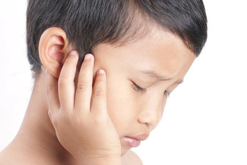 Di vật trong tai 4