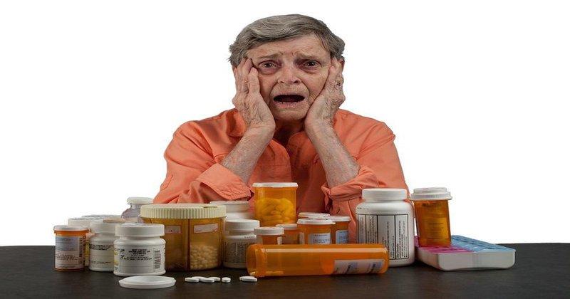 Dùng thuốc ở người cao tuổi – Những điều cần lưu ý